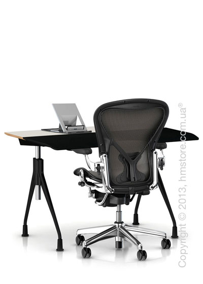Комплект – стол Herman Miller Envelop Desk, кресло Aeron Chair, держатель Lapjack