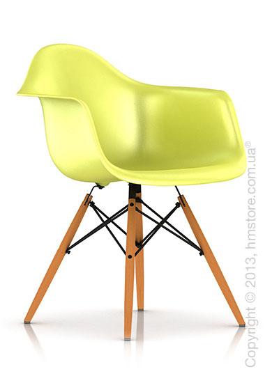 Кресло Herman Miller Eames Molded Plastic Armchair