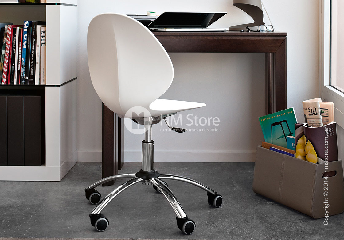 Кресло Calligaris Basil, Metal and plastic swivel chair, Plastic red
