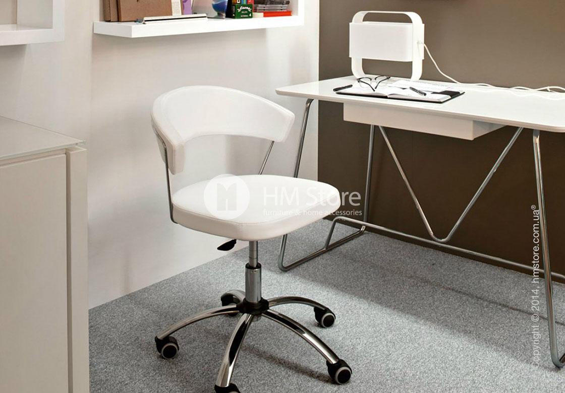Кресло Calligaris New York, Swivel chair, Gummy coating coffee