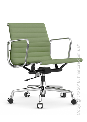 Кресло Vitra Aluminium Chair EA 117, Fabric Ivory Forest
