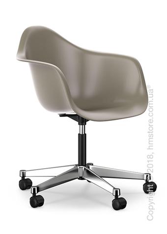 Кресло Vitra Eames Plastic Armchair PACC, Mauve Grey