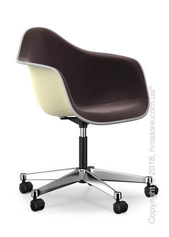 Кресло Vitra Eames Plastic Armchair PACC with full upholstery, Cream shell, Nero Moor Brown