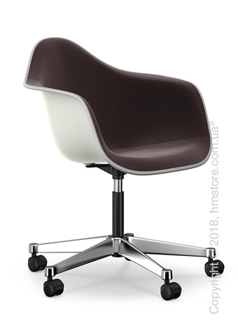Кресло Vitra Eames Plastic Armchair PACC with full upholstery, White shell, Nero Moor Brown