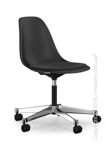 Кресло Vitra Eames Plastic Side Chair PSCC with seat upholstery, Basic Dark shell and Nero