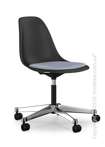Кресло Vitra Eames Plastic Side Chair PSCC with seat upholstery, Basic Dark shell and Dark Blue Ivory