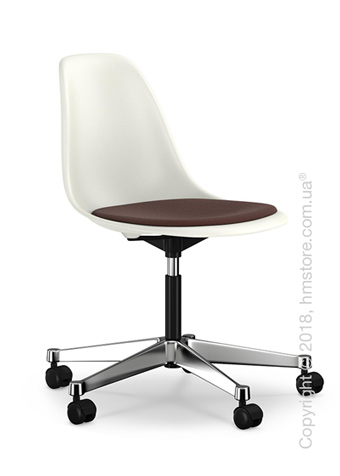 Кресло Vitra Eames Plastic Side Chair PSCC with seat upholstery, White shell and Marron Moor Brown