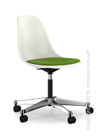 Кресло Vitra Eames Plastic Side Chair PSCC with seat upholstery, White shell and Grass Green Forest